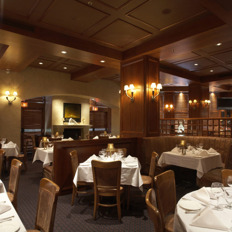 Restaurant With Private Dining Room: Hy's Steakhouse & Cocktail Bar